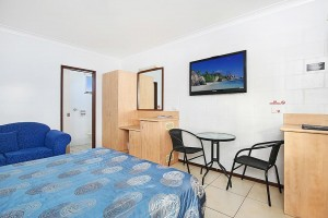 caloundra-motel-sunshine-coast-gallery-1